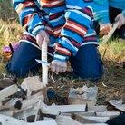 Sudenpennut harjoittelivat kiehisten veistämistä.